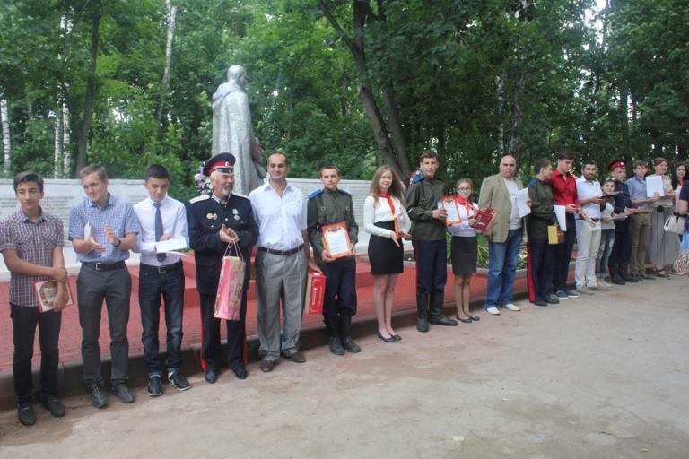 Закрытие социально значимого проекта «Мост поколений — 2» ТОС № 11 микрорайона «Бор»