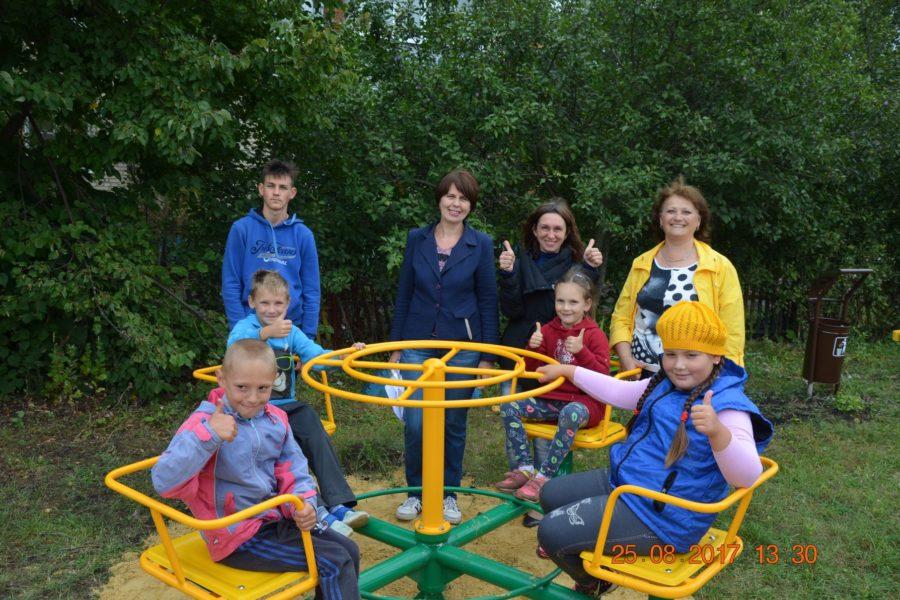 Ещё одна детская площадка появилась в селе Архангельское Каменского района