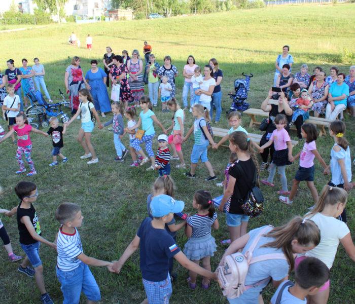 Лето во дворах собирает друзей