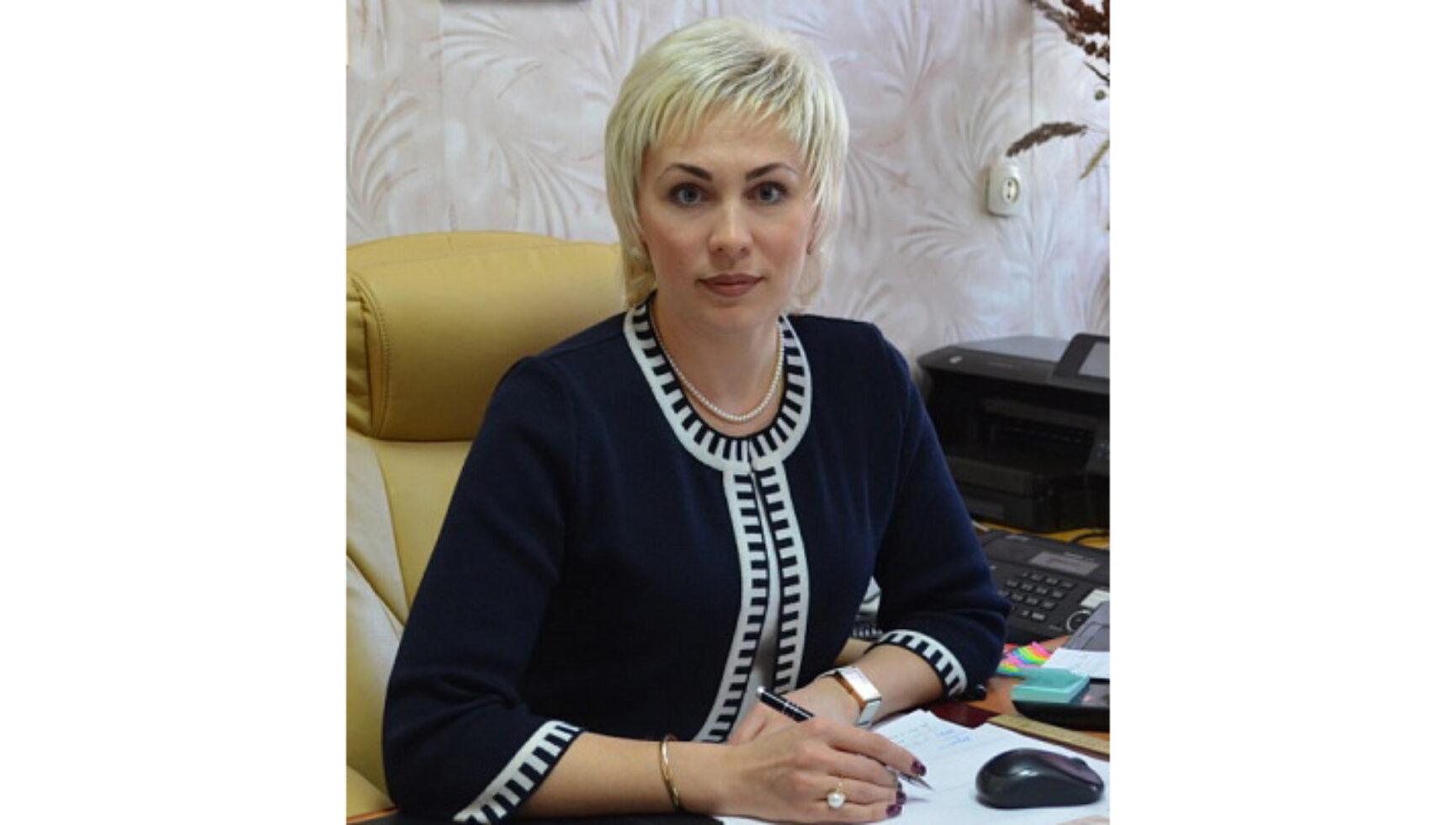 Поздравляем Ушакову Елену Васильевну, руководителя аппарата муниципального образования Богородицкий район, с Днем рождения!