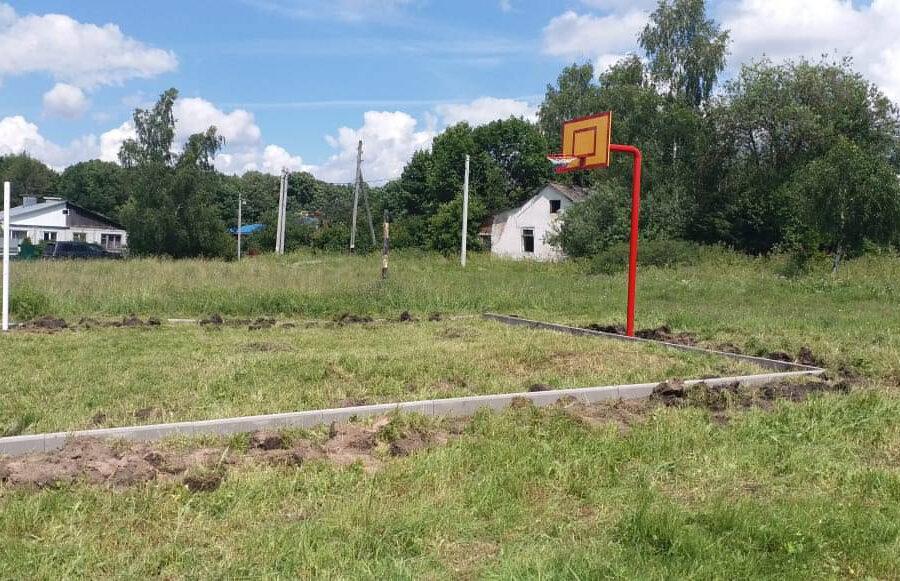 Для детей села Поповка в Алексине обустраивают спортивно-игровую площадку