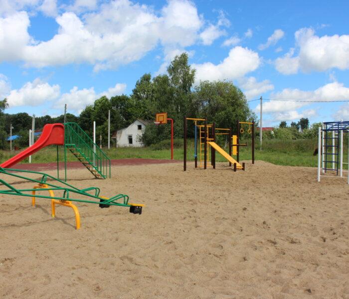 В селе Поповка в Алексине завершено обустройство спортивно-игровой площадки