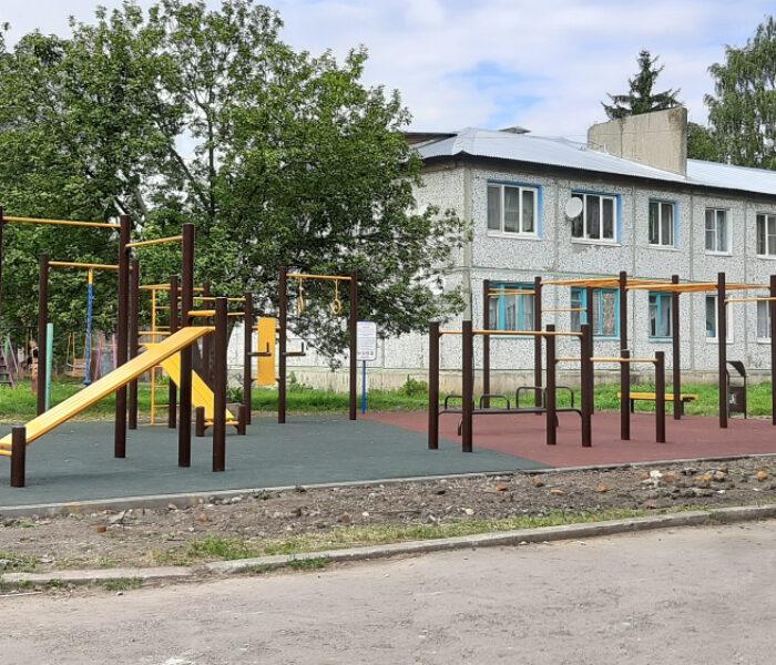 В поселке Молочные Дворы Плавского района обустроена современная воркаут-площадка
