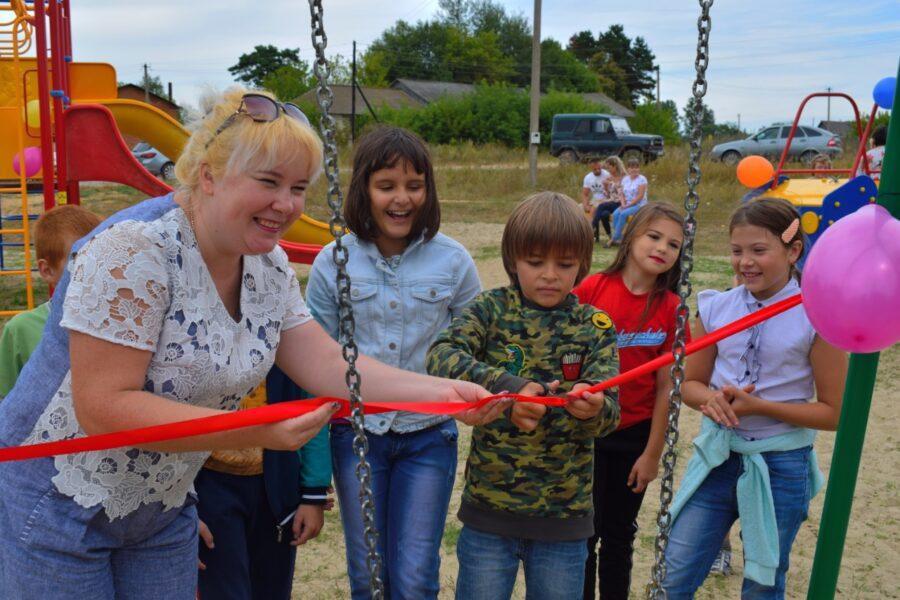 В селе Кулешово Суворовского района состоялся праздник в честь открытия детской площадки
