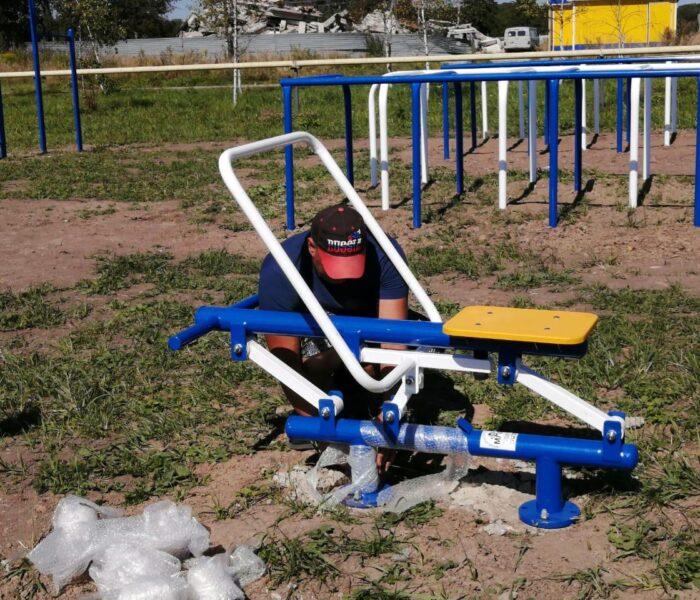 Продолжаются работы по благоустройству спортивной площадки в д. Бураково