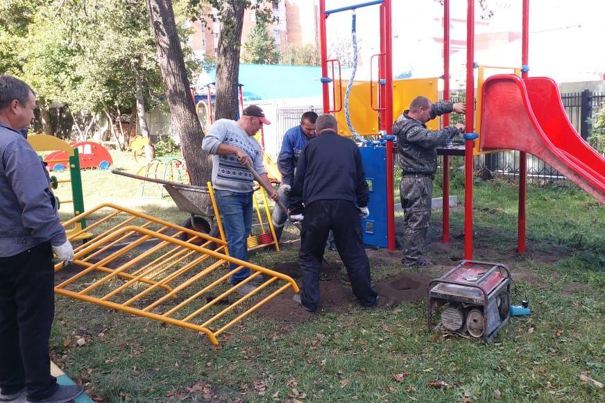 В Туле на улице Пушкинской продолжается благоустройство территории