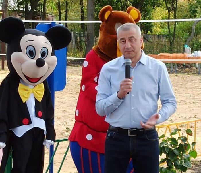 В деревне Большие Медведкисостоялся праздник в честь открытия площадки для активного отдыха детей