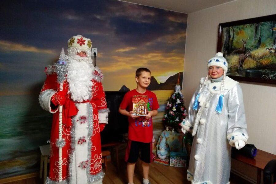 Акция «Я – Дед Мороз» . Жительница Арсеньево Татьяна, загадала желание для своих детей.