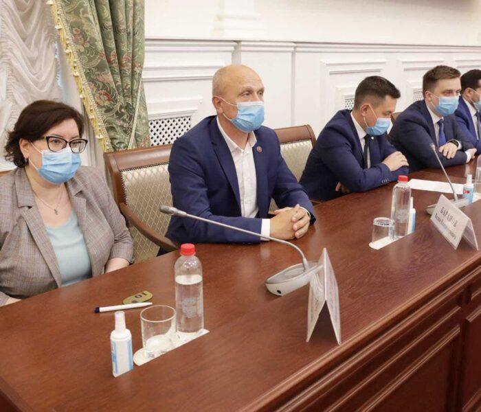Борис Воловатов предложил создавать межквартальные общественные пространства и поддерживать молодежные проекты «Народного бюджета»
